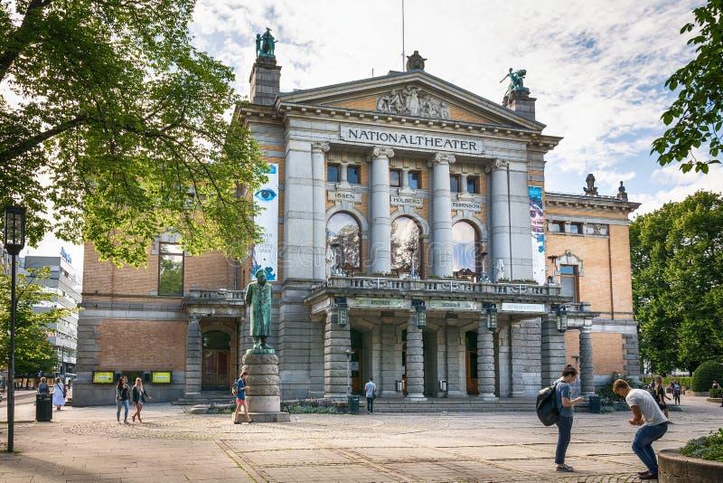 Oslo Nationaltheatret el teatro nacional foto de archivo