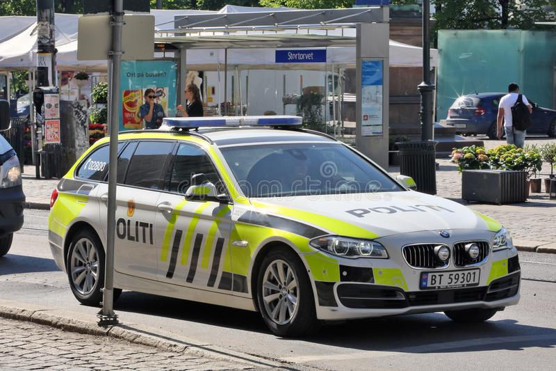 Oslo, Noorwegen - Politiewagen in Actie stock foto