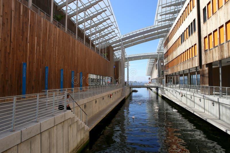 Oslo, Norvegia - 24 luglio 2018: L'entrata al museo di Astrup Fearnley di arte moderna Oslo, Norvegia - 24 luglio 2018: Vista del immagini stock libere da diritti