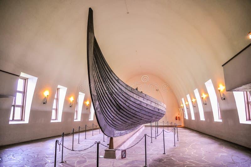 OSLO NORWEGIA, LIPIEC, - 2015: Viking drakkar w Viking muzeum w Bygdoy, Oslo, Norwegia obrazy stock