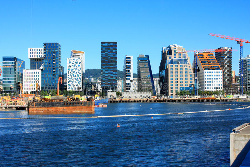 Oslo - pejzaż miejski jest wielkimi przyciąganiami w letnim dniu obrazy royalty free