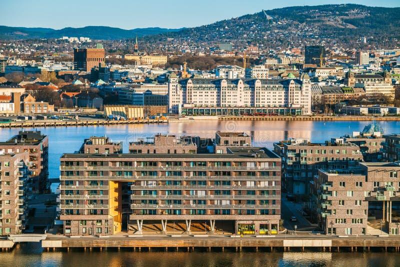 Oslo schronienie w ranku Panoramiczny widok od Ekebergparken rzeźby parka zdjęcie royalty free