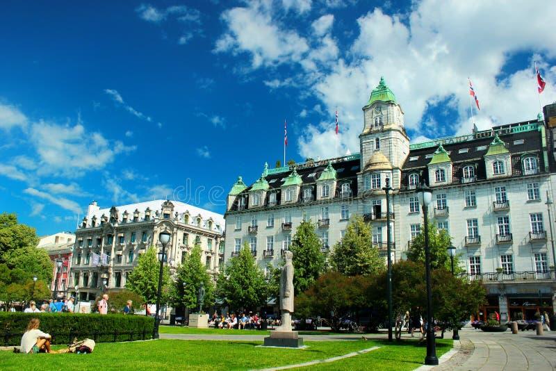 Oslo storslaget hotell på den Eidsvoll fyrkanten i Oslo, Norge royaltyfri bild