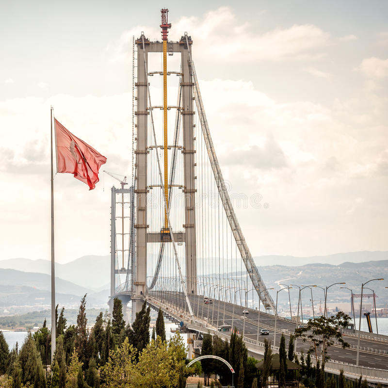 Osman Gazi Bridge in Kocaeli, Turkije stock foto