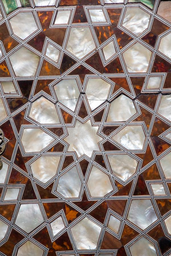 Osmanekunst mit geometrischen Mustern auf Holz stockfotos