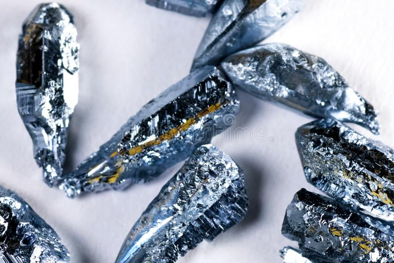 Osmium, metaalstukken voor steekproef het zwaarste metaal is osmium royalty-vrije stock fotografie
