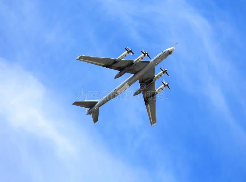 Oso ruso del bombardero Tu-95} foto de archivo