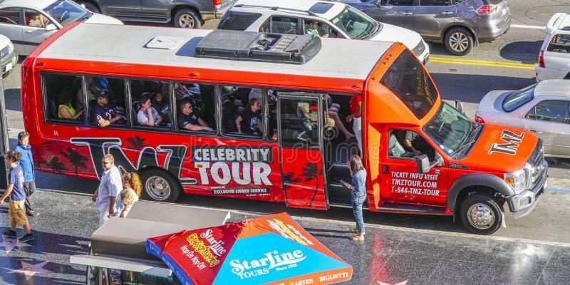 - 20, 2017 osobistości wycieczka turysyczna autobusem w Hollywood, LOS ANGELES, KALIFORNIA, KWIETNIU - zdjęcia royalty free