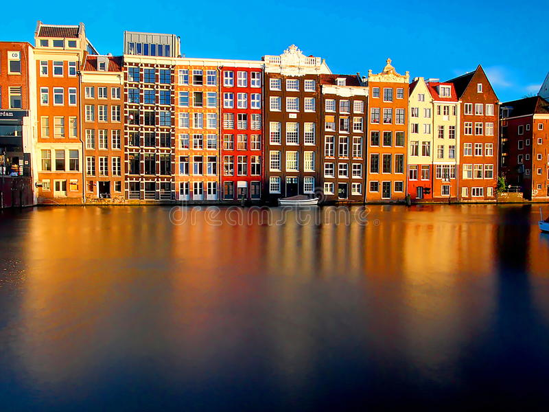 Osobliwie budynki Amsterdam fotografia stock