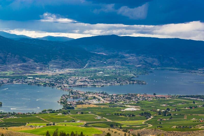 Osoyoos βρετανικό Culumbia Καναδάς και λίμνη Osoyoos στοκ εικόνα με δικαίωμα ελεύθερης χρήσης