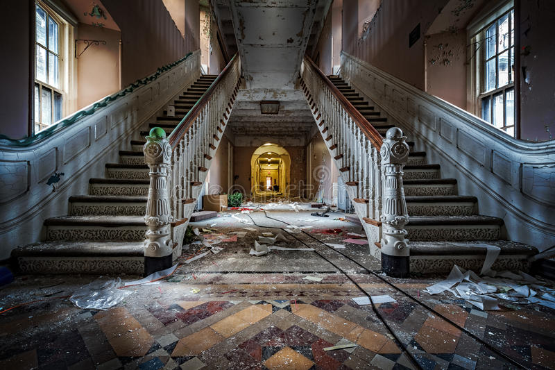 Ospedale psichiatrico abbandonato immagini stock