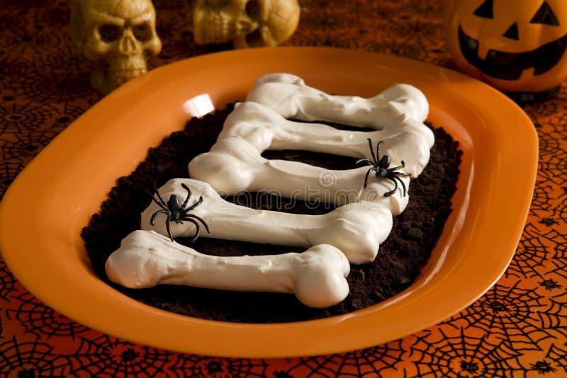 Ossa della meringa di Halloween immagini stock