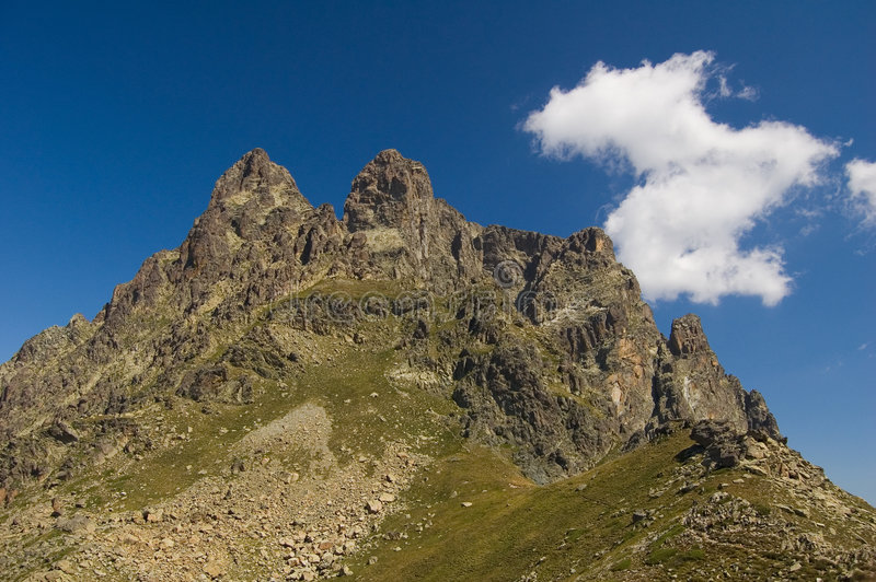 Ossaus Spitze in den französischen Pyrenees lizenzfreie stockfotografie