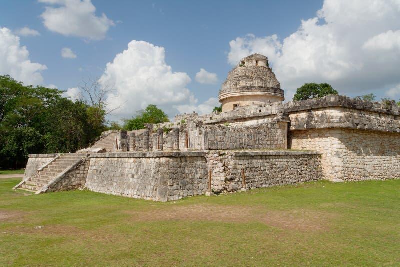 Download Osservatorio Di Chichen Itza Immagine Stock - Immagine di pietra, latino: 3880539