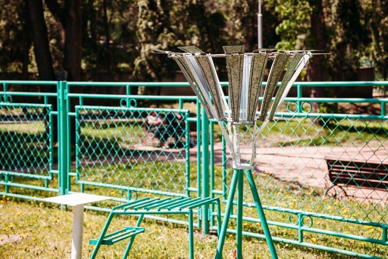 Osservatorio meteorologico stazione metereologica sul primo piano di giorno di estate concetto di caldo fotografia stock
