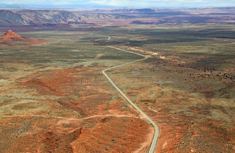Osservi alla strada 261 da Cedar Mesa immagini stock libere da diritti