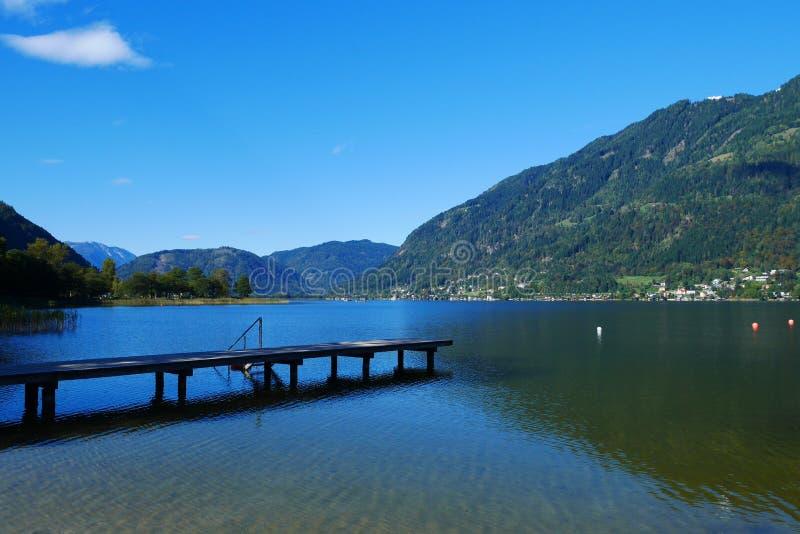 Ossiacher See in Österreich stockfotografie