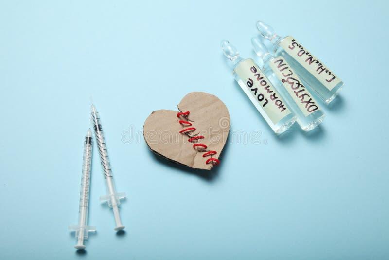 Ossitocina di biochimica in fiale ormone di amore fotografia stock
