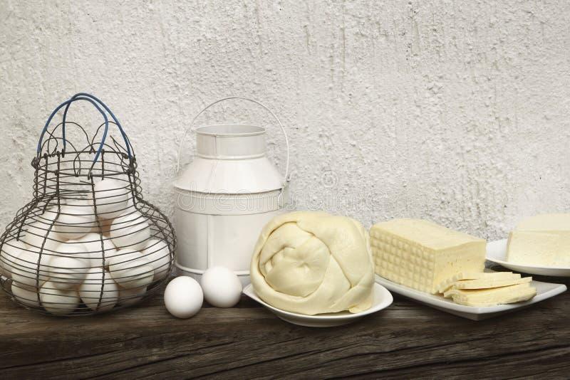 Ost ägg, mjölkar arkivfoto