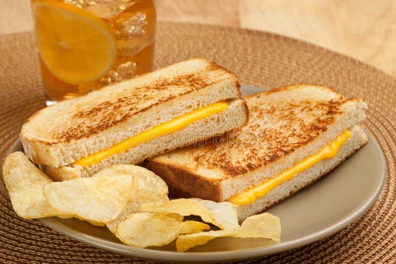 ost grillad smörgås royaltyfri foto