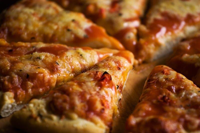 ost pieces pizza arkivbilder