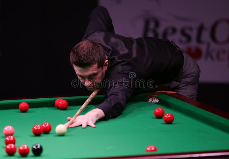 Ostacoli il campione del mondo, torneo amichevole dei giochi di Mark Selby a Bucarest immagini stock