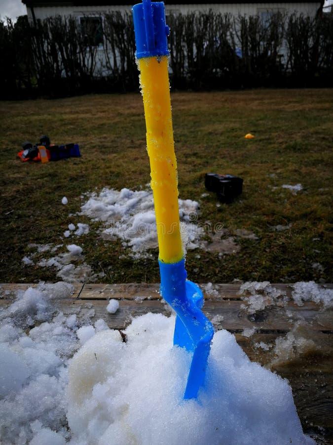 Ostatni śnieg na werandzie fotografia royalty free