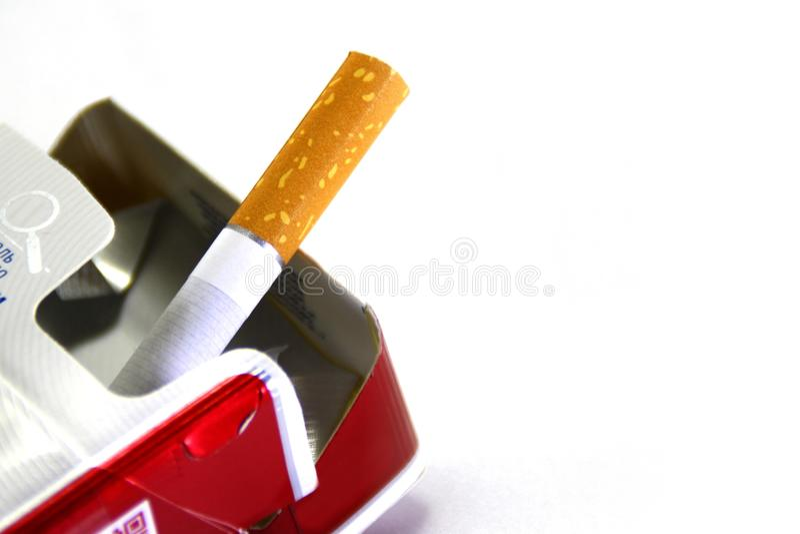 Ostatni papieros w paczce zdjęcie stock