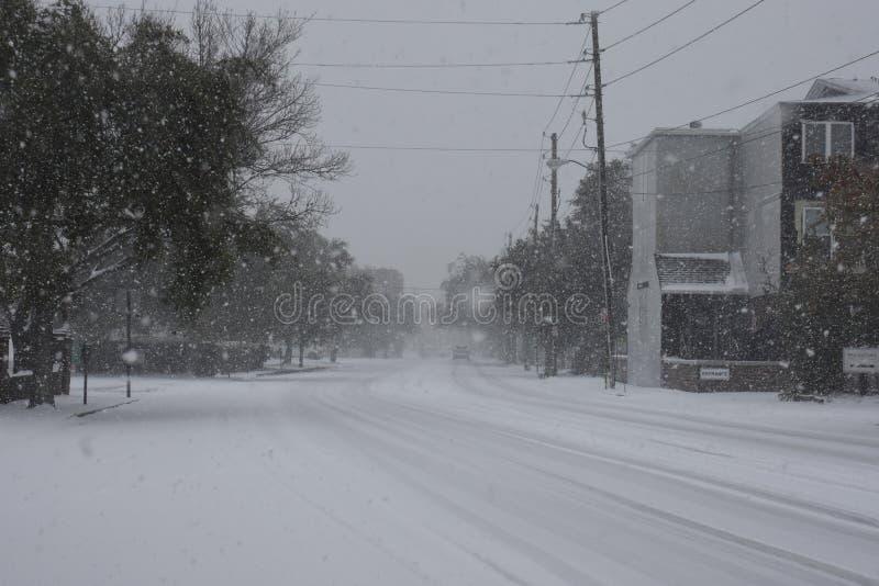 Ostbucht-Straße, Charleston, Sc Schneesturm von 2018 lizenzfreie stockfotos