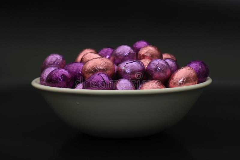 Ostereier in einer Schüssel stockfoto