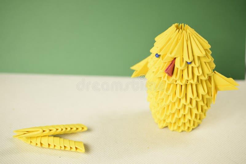 Ostern-Huhn des Origamis 3D lizenzfreie stockbilder