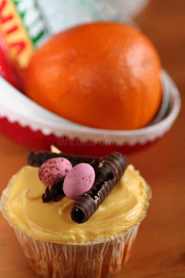 Ostern-kleiner Kuchen lizenzfreie stockfotografie