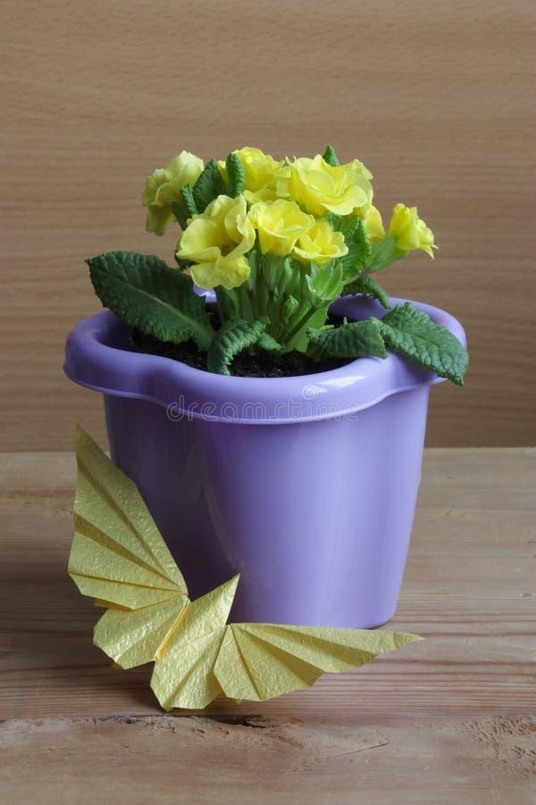 Ostern, Mutter-Tageskarten-Blumen-Ablagen-Foto stockfotos