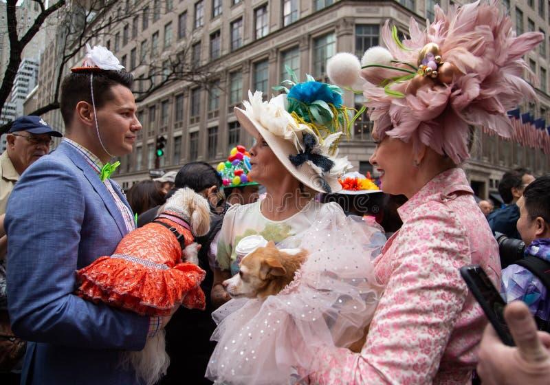 Ostern-Parade und Mützen-Festival in New York City am 21. April 2019 stockbilder