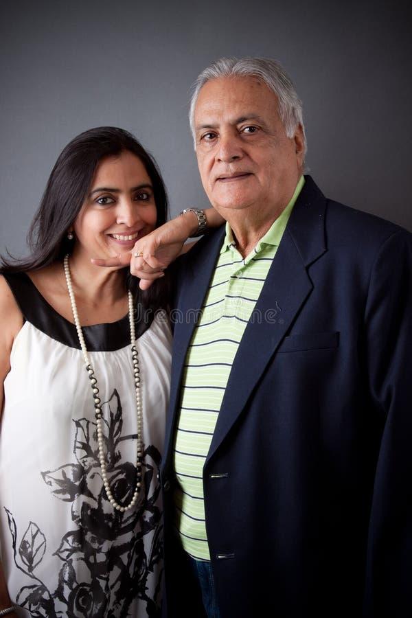 Ostindischer Vater und Tochter stockfoto