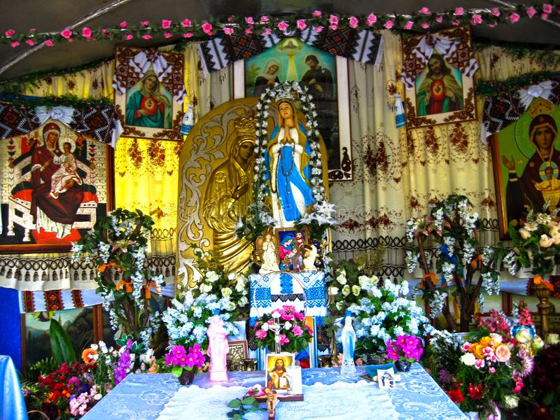 Ostriv, Ukraine - 29 septembre 2007 : Sanctuaire de Mary la mère de Dieu dans le village d'Ostriv Ostrov dans la région de Ternop photographie stock