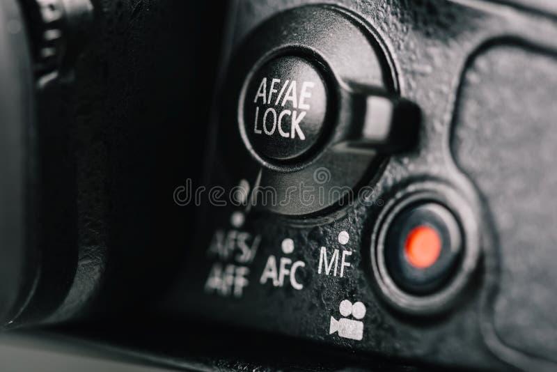 ostrość, ujawnienie kędziorka tarcza I filmu rejestru guzik Na Cyfrowej kamerze, obraz stock