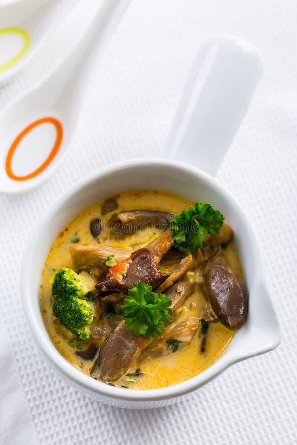 Ostronsoppa med grönsaker royaltyfria bilder