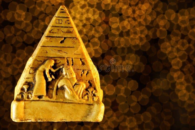 Ostrosłup jest symbolem ludzki duchowy podbieg Ostrosłup jest architektonicznym strukturą i symbolem hierarchia istnieje wewnątrz fotografia stock