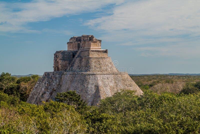 Ostrosłup magik Piramide Del Adivino w antycznym Majskim mieście Uxmal, Mexi fotografia stock