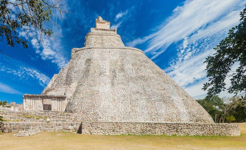 Ostrosłup magik Piramide Del Adivino w antycznym Majskim mieście Uxmal, Mexi zdjęcie royalty free