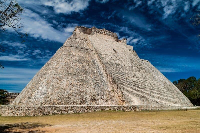 Ostrosłup magik Piramide Del Adivino w antycznym Majskim mieście Uxmal, Mexi fotografia royalty free