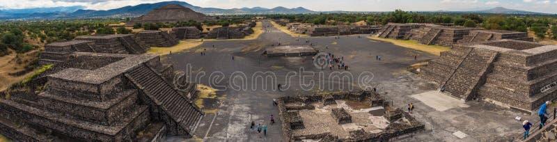 Ostrosłup słońce i droga śmierć w Teotihuacan obrazy royalty free