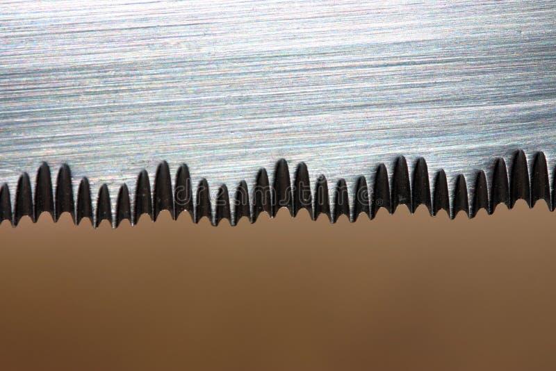 Download Ostrze noża serrated obraz stock. Obraz złożonej z plasterek - 139049
