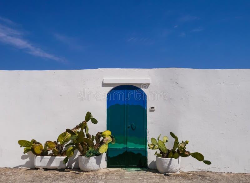 Ostuni, u. x22; Weißes City& x22; , Puglia, Italien stockfotos