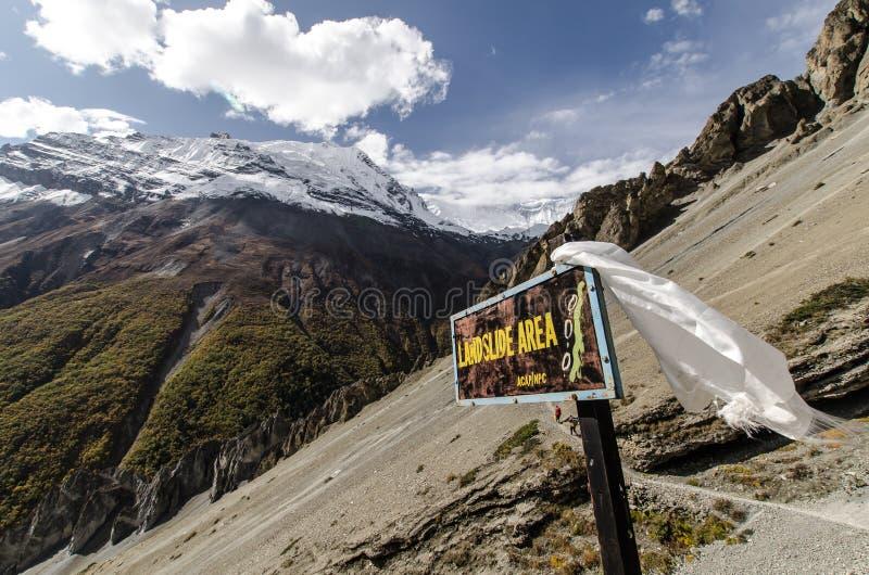 Osunięcie się ziemi znak Przy Annapurna obwodem fotografia stock