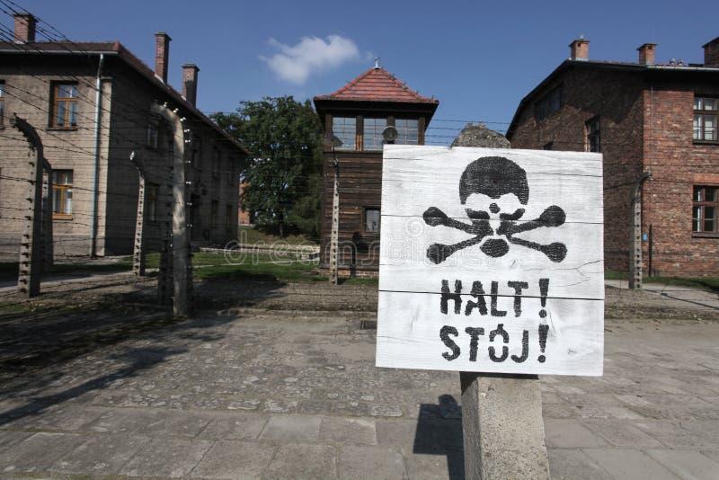 Oswiecim, het gebied van Polen Auschwitz Waarschuwingsborden - einde stock afbeeldingen