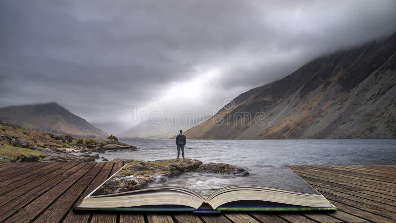 Oszałamiająco długi ujawnienie krajobrazu wizerunek Wast woda w UK Jeziornym okręgu wynika strony w opowieści książce zdjęcia royalty free