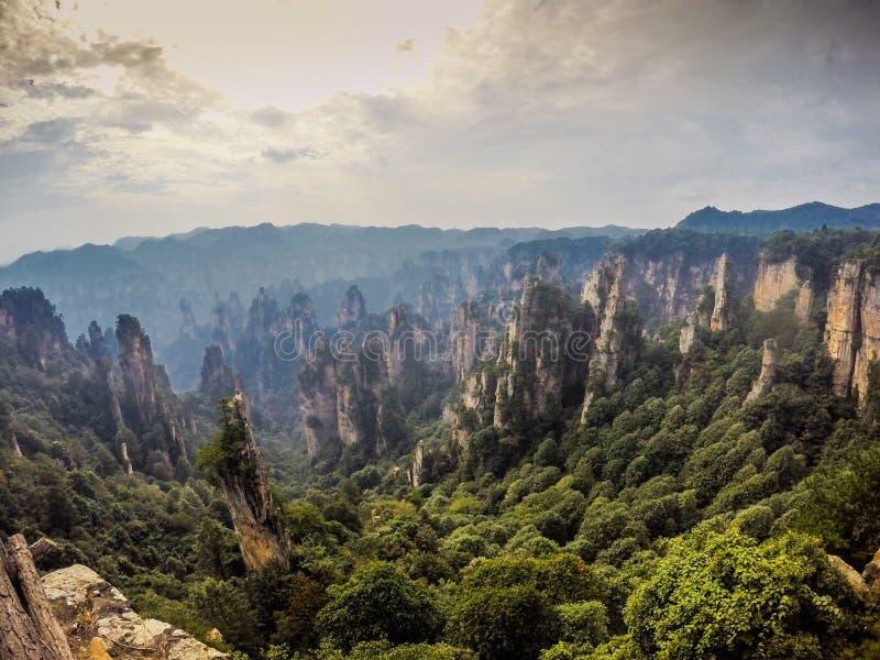 Oszałamiająco góry Zhangjiajie fotografia stock