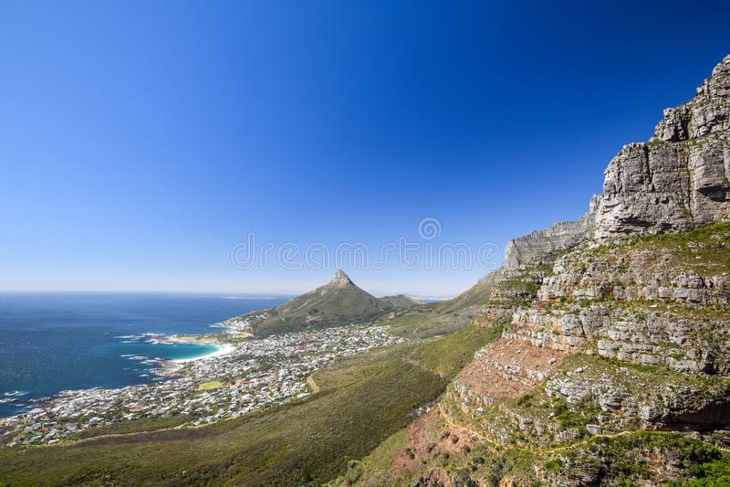 Oszałamiająco panorama widok przedmieście obozów zatoka i lwa ` s Przewodzi górę i Zgłasza fotografia royalty free
